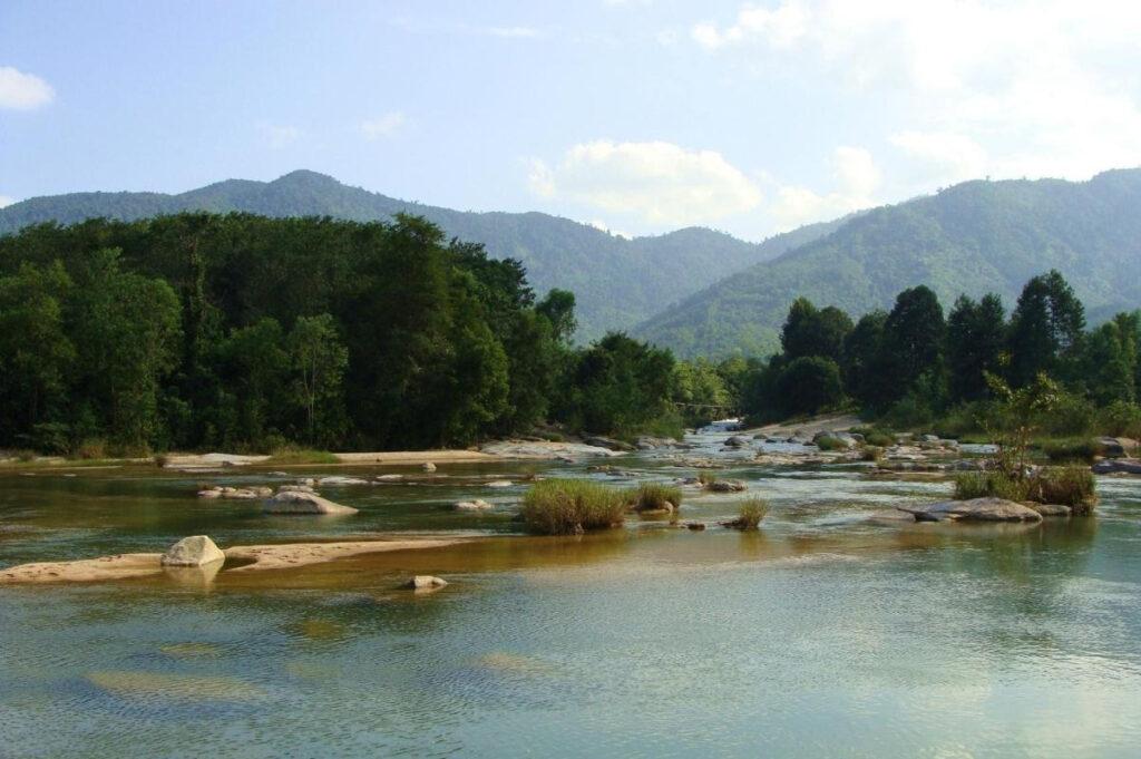 Khu du lịch sinh thái Hòn Bà là điểm đến thu hút nhiều du khách