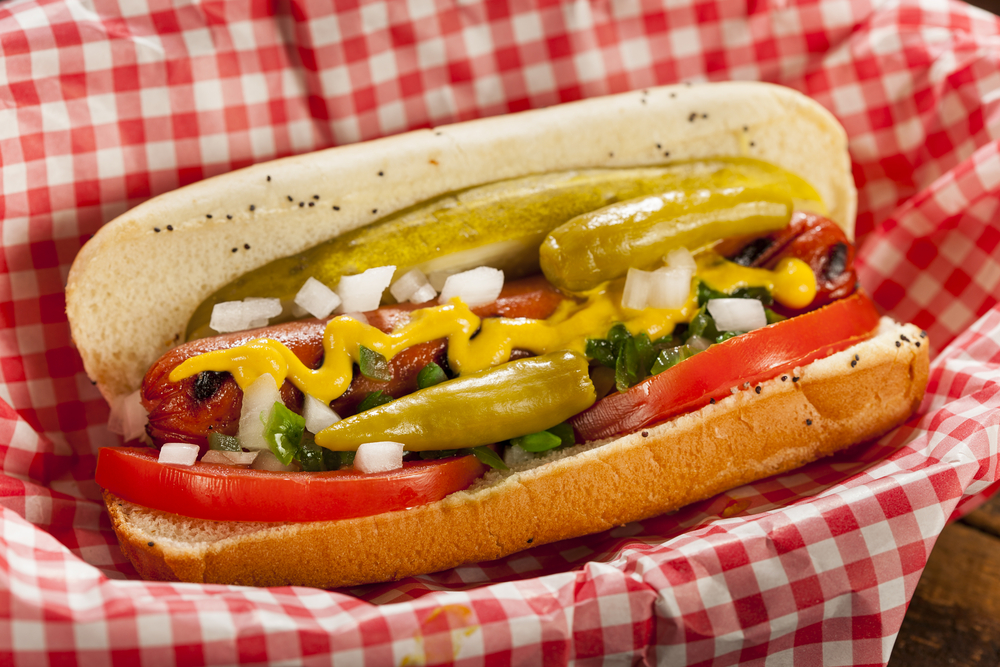 Hot dog Chicago nổi tiếng với hương vị đặc trưng