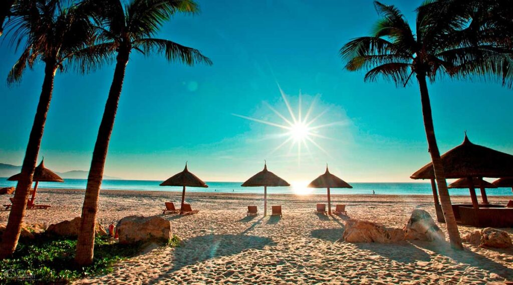 Biển Mỹ Khê ở Đà Nẵng chính là một trong những bãi biển đẹp nhất hành tinh