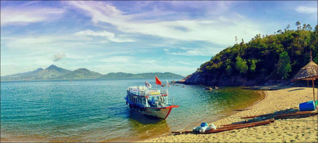 Cù Lao Chàm được thiên nhiên ưu ái có khí hậu quanh năm mát mẻ