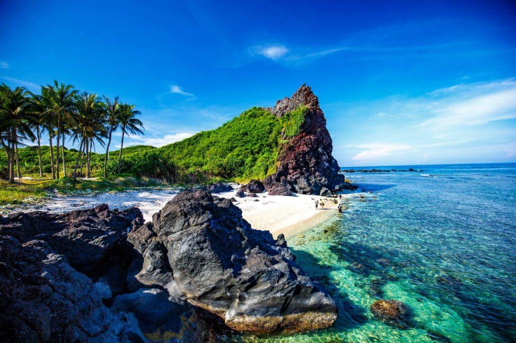 Đảo Lý Sơn nổi bật với vẻ đẹp hoang sơ, trong lành