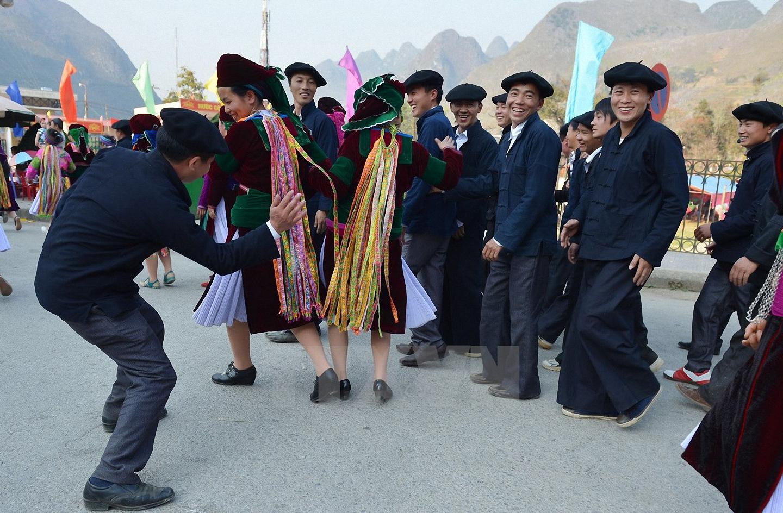 Lễ hội vỗ mông của dân tộc Mông