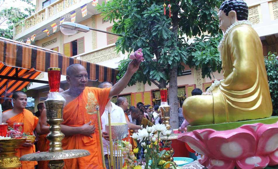 Lễ hội Cholchnam Thmay rước Sangkran