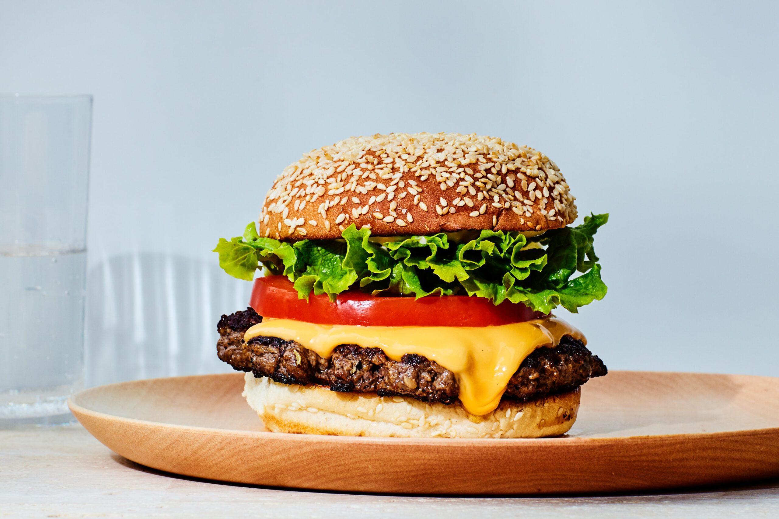 Bánh Burger - Loại bánh vừa ngon vừa rẻ tiền