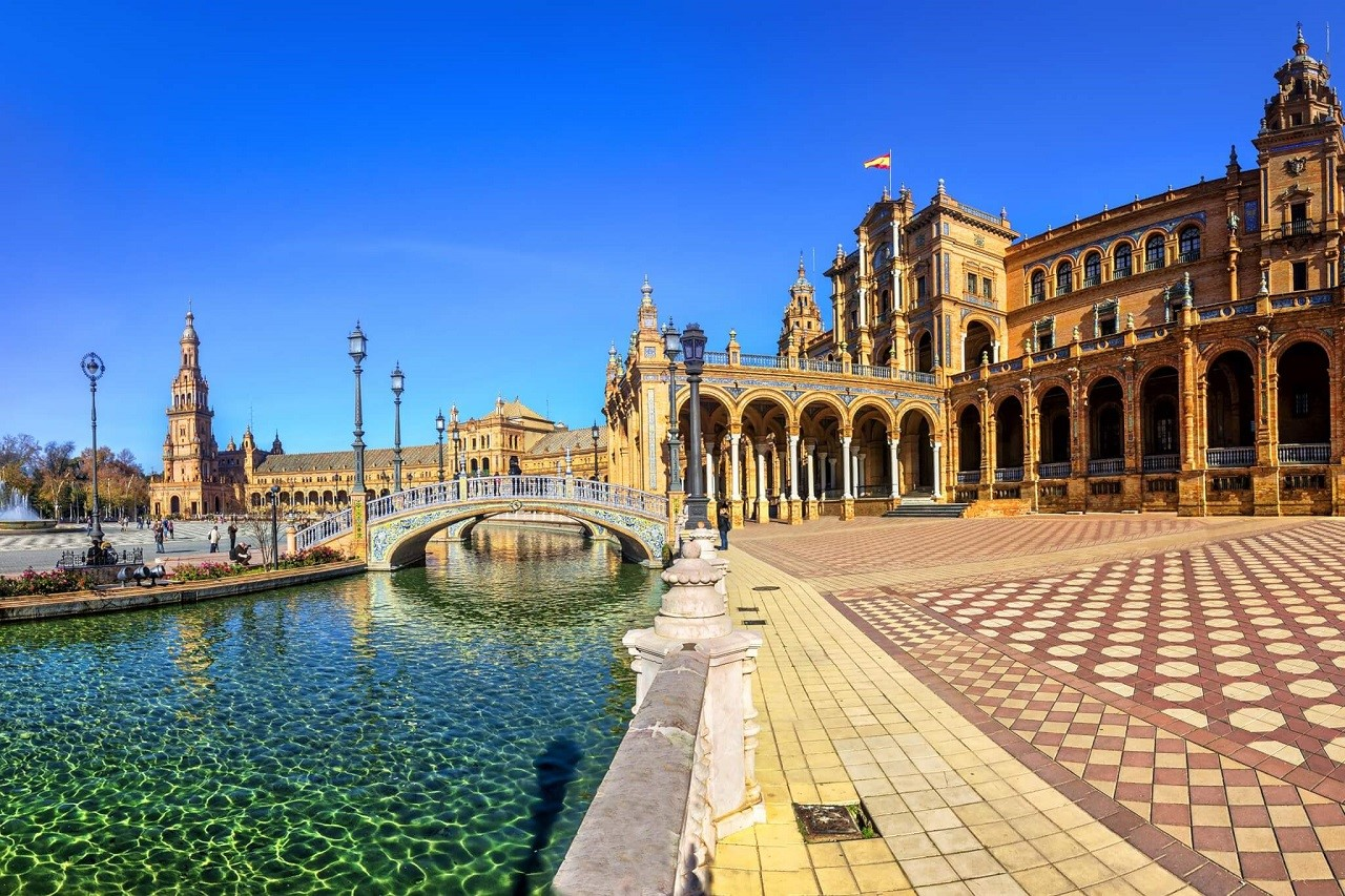 Thứ nhất: Tiếng Tây Ban Nha là ngôn ngữ được sử dụng nhiều thứ hai trên thế giới.