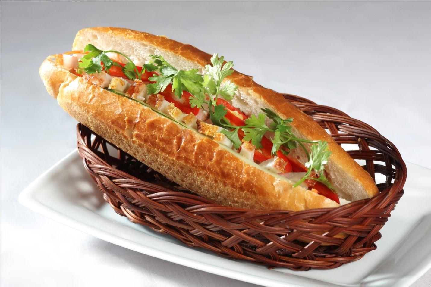 Món ăn sáng Việt Nam: Bánh mì