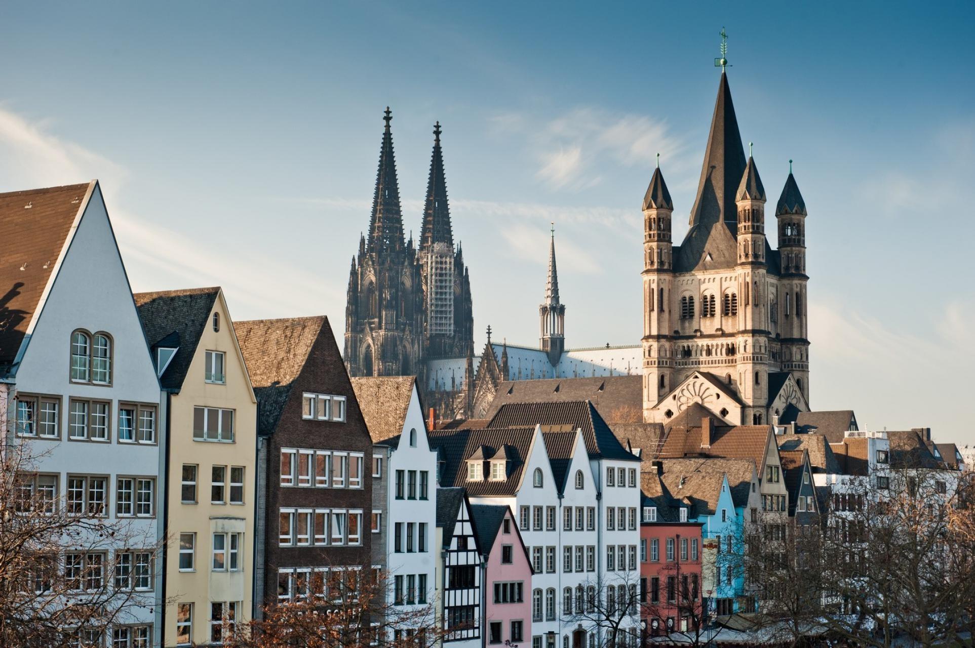 Nhà thờ lớn nằm ở trung tâm thành phố Cologne