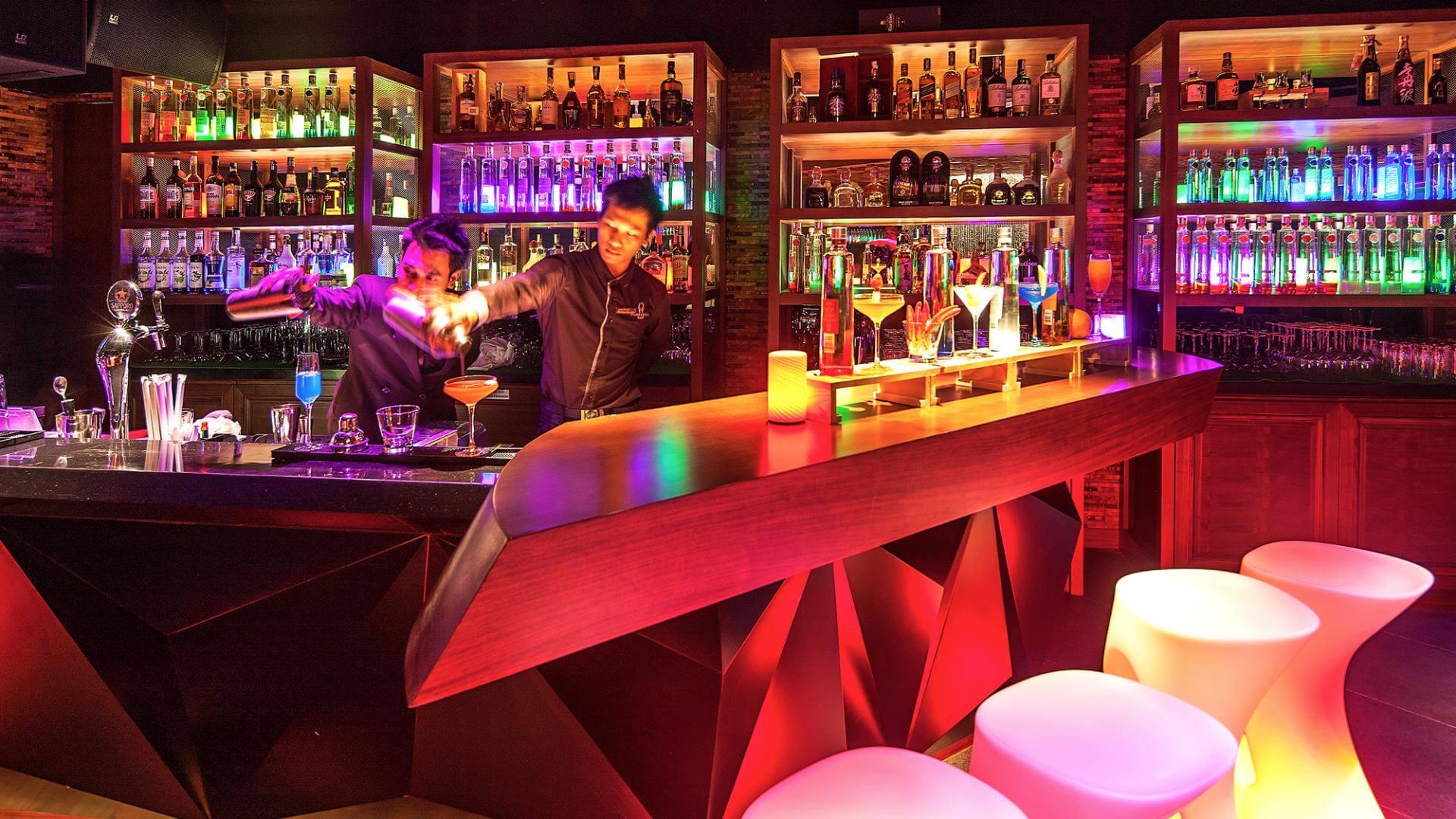 Những quán bar ở thành phố Quảng Bình là điểm đến thu hút nhiều giới trẻ