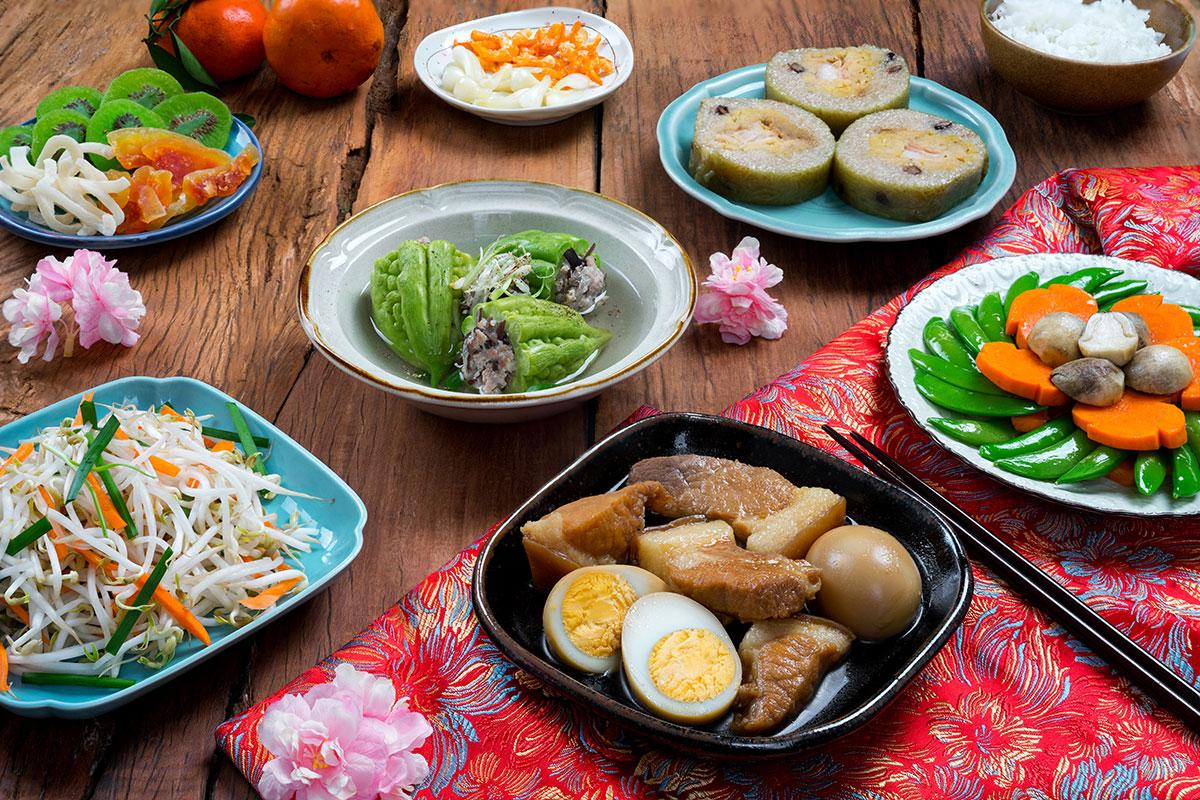 Ăn cơm dịp Tết miền Nam