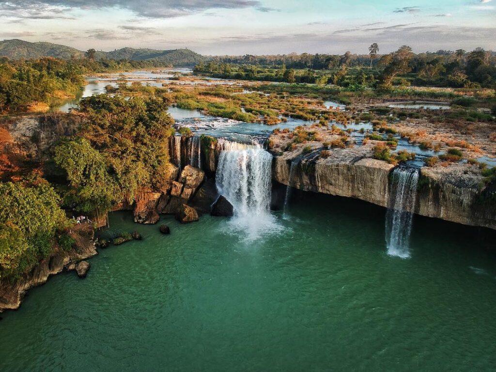 Thác Đray Sap là sự kết hợp của hai dòng sông Krông Nô và Krông A Na