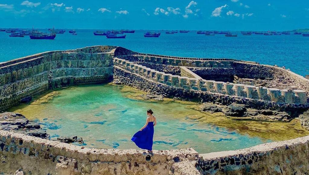 Huyện đảo Phú Quý ghi điểm với các bạn trẻ bởi vẻ đẹp đơn sơ