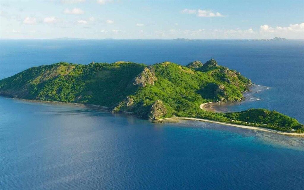 Tại Côn Đảo có nhiều loại hình giải trí, bên cạnh những bãi biển sạch đẹp giúp phục vụ du khách tốt nhất