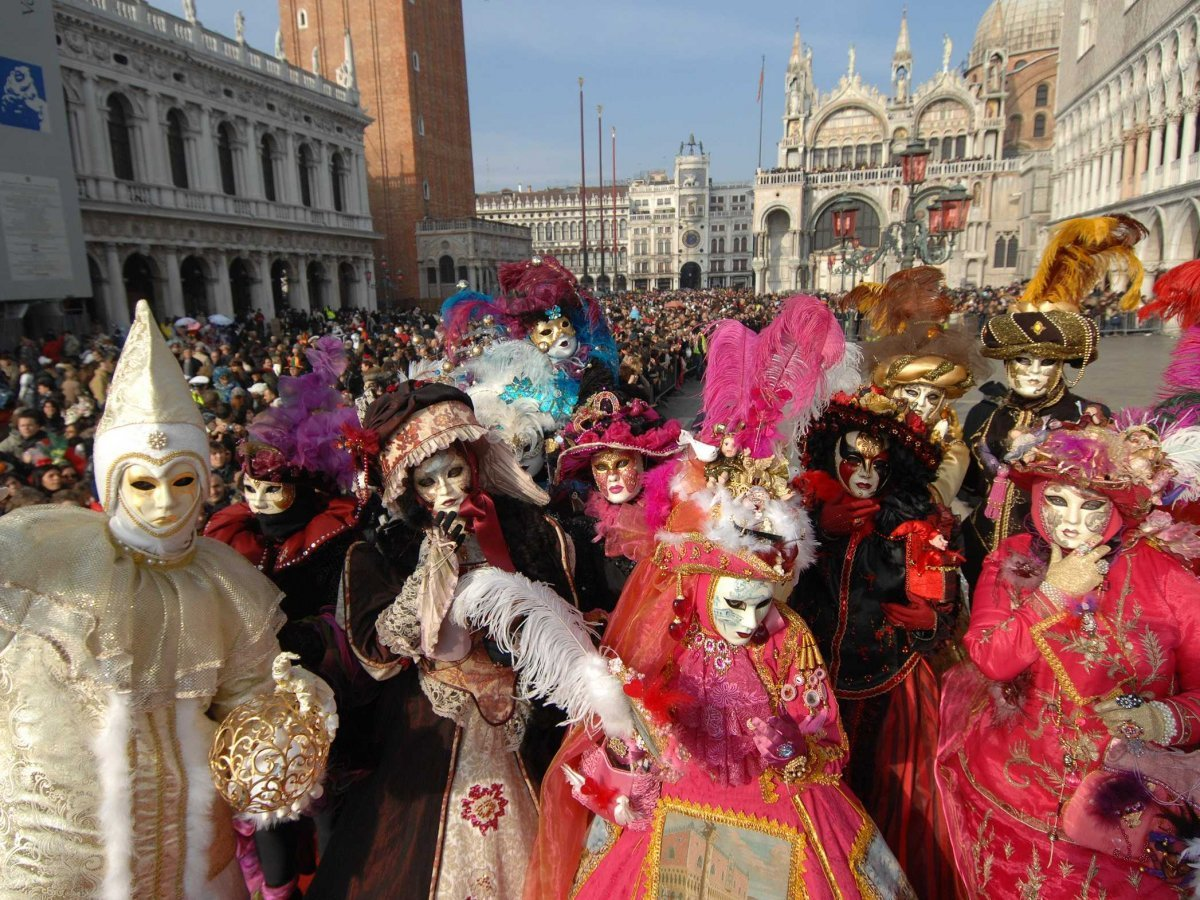 Carnival – Lễ hội hóa trang